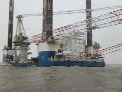 "Jack-up crane barge ""Sea Worker"""