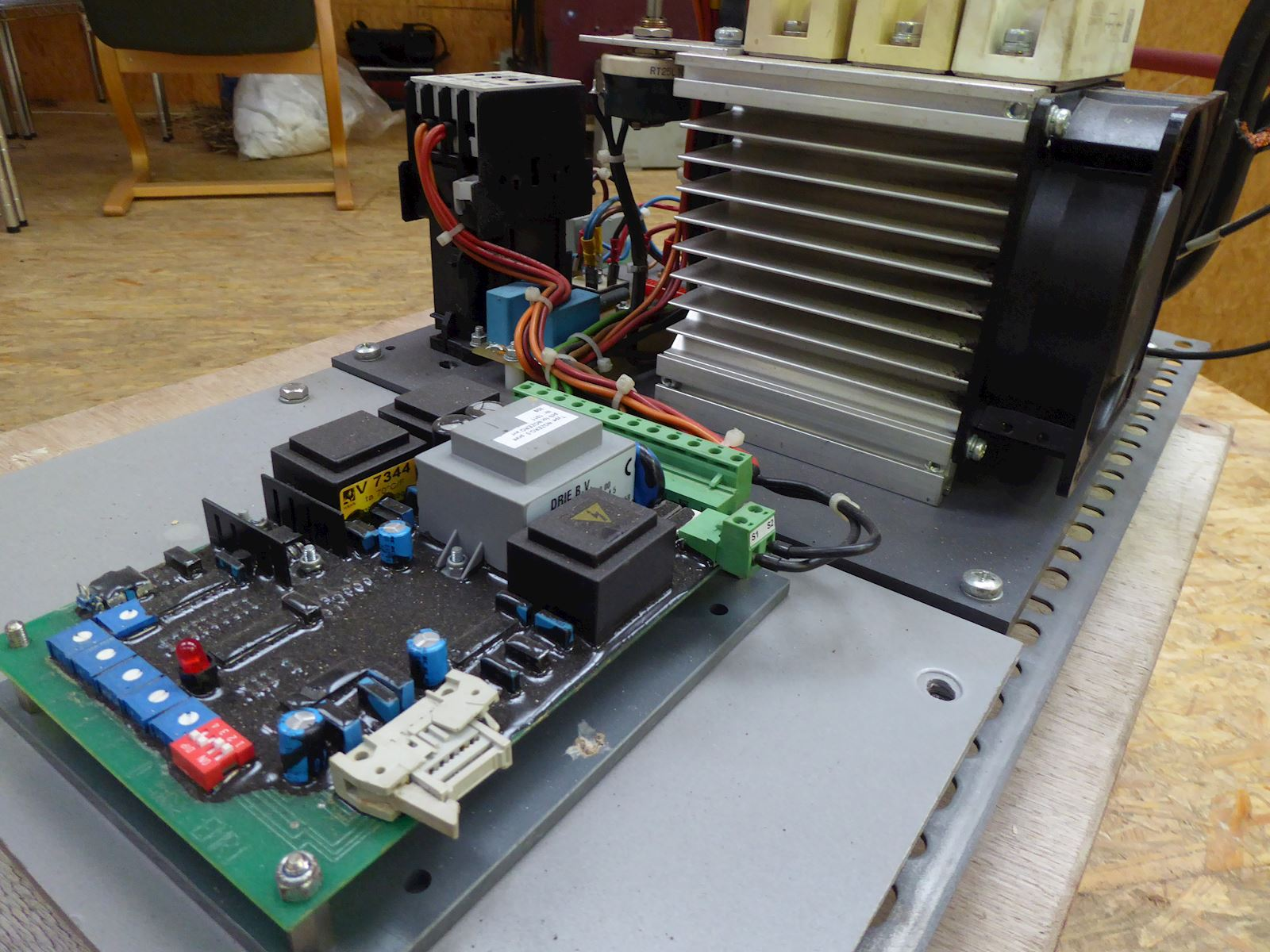 EMRI NOZERO 150 Voltage Regulator