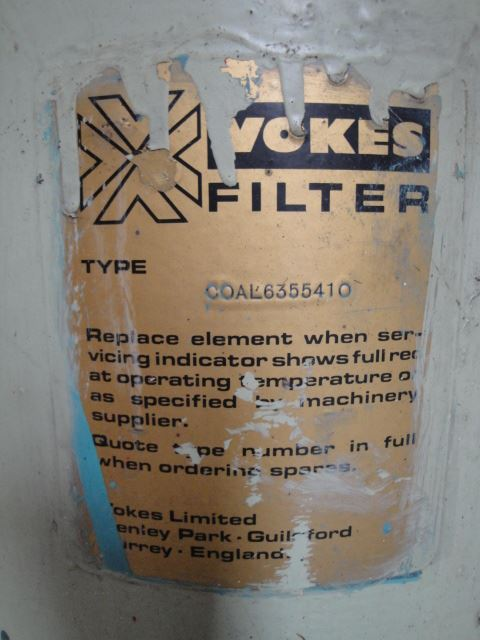 Wokers filter Coal 6355410