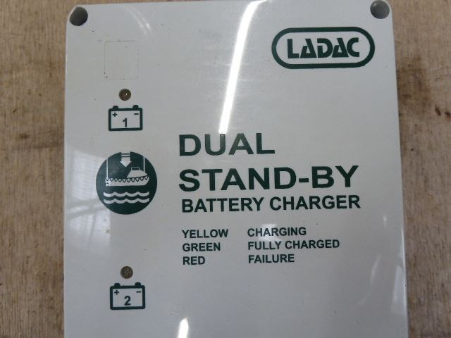 Ladac 4041LBC Dual Stand-By Charger