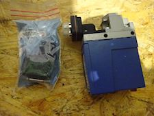 Sperre Pressure switch Start/Stop & Cable Socket - 1